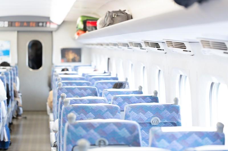 『From : 鳥取から福岡へ向かう新幹線の中より』僕は、これに参加するため、鳥取から岡山まで、スーパーいなば2号に乗り、 そして岡山から新幹線のぞみ1号に乗り換え、博多駅まで向かっていました。【ザ・セールスライター 植田祐司】