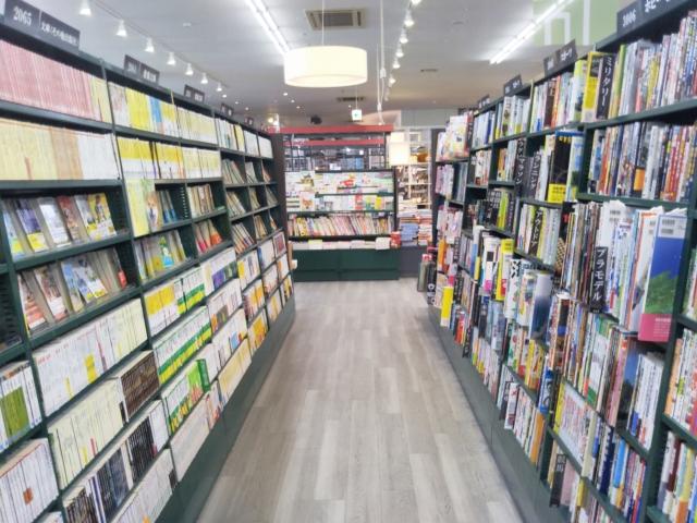 書店でのリサーチは、実際の本屋さんに行こう!